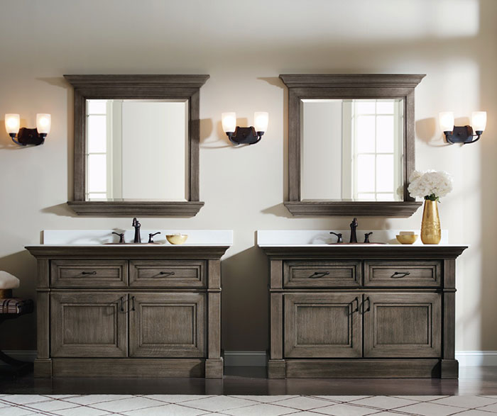 Casual Quartersawn Oak Bathroom Cabinets in Brushed Finish