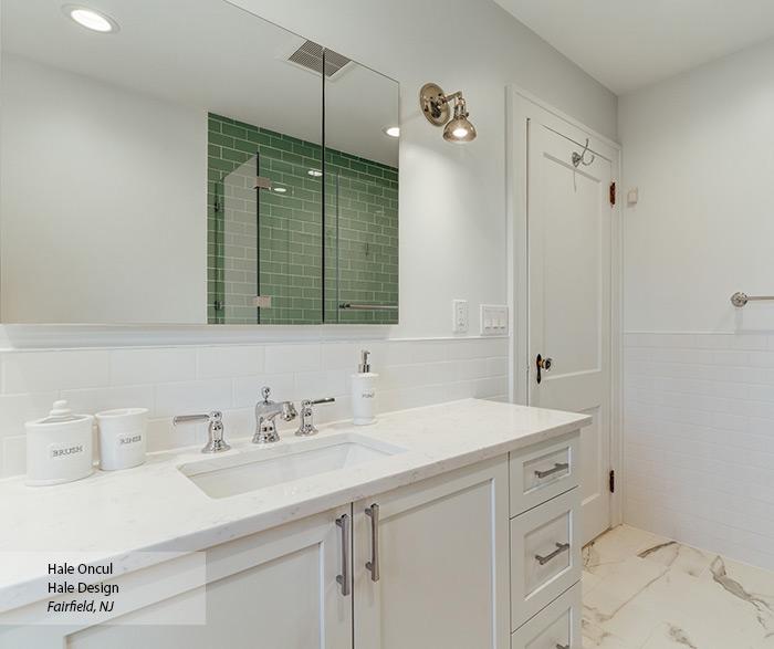 casual_maple_white_bathroom_cabinets