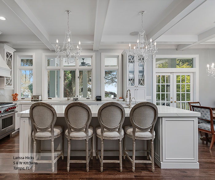 transitional_maple_kitchen_cabinets_in_pearl_1
